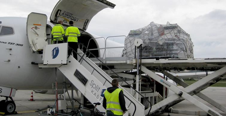 Air freight charter plane